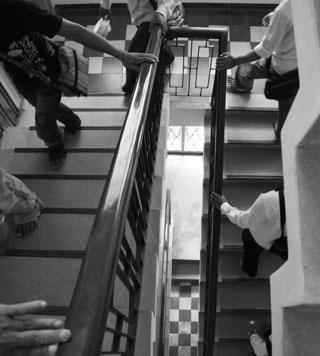 03-Escalier-du-Centre-Bophana_GEN