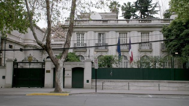 chili-1973-une-ambassade-face-au-coup-d-etat